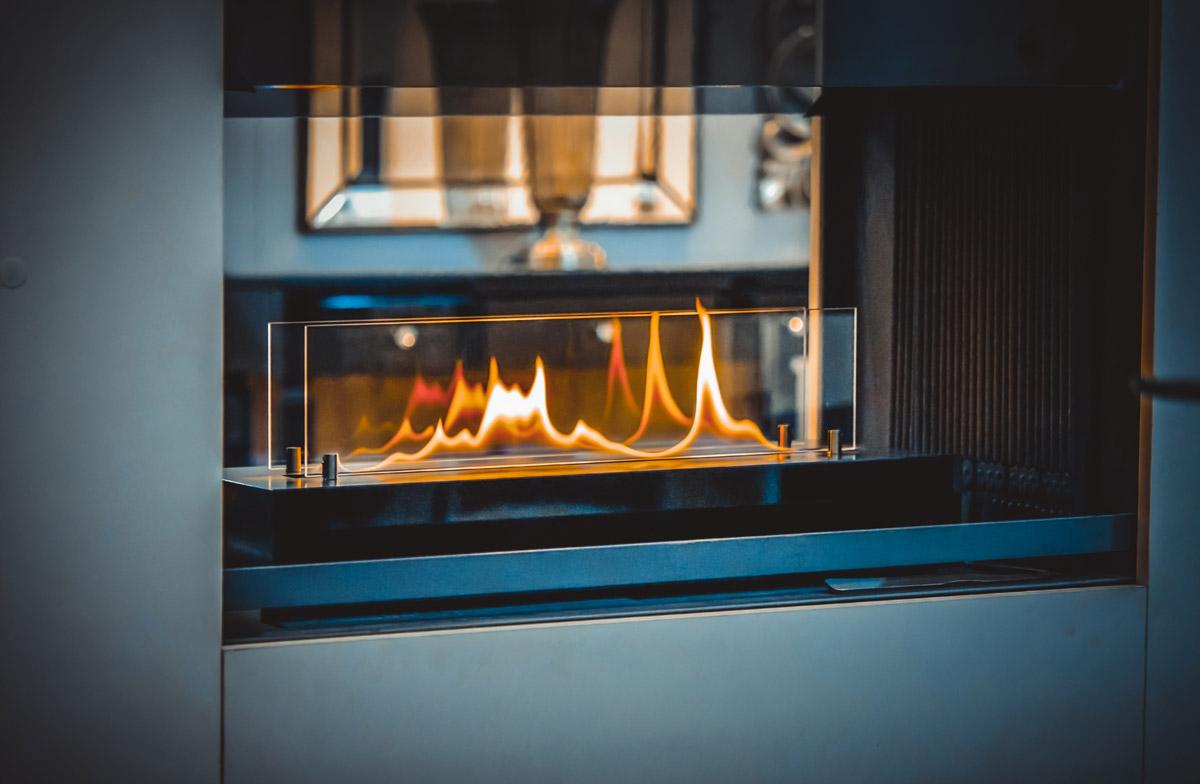 Lareira a gás: confira as vantagens de instalar uma no apartamento